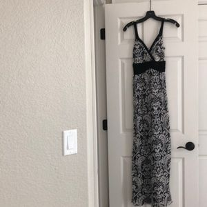 Sweet Pea Maxi Dress